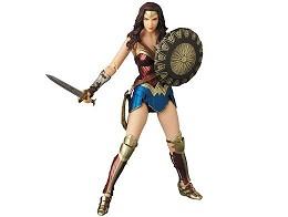 Figura Wonder Woman Mafex 048